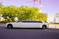 Lincoln Town car Limousine mieten weiß