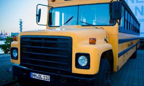 Limousine American School Bus